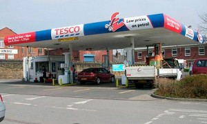 Shoppers can save 10p off per litre of fuel at Tesco when they spend £60 or more on their groceries. Spend £60 or more in a Tesco shop – excluding Tesco Express - or on its online grocery.